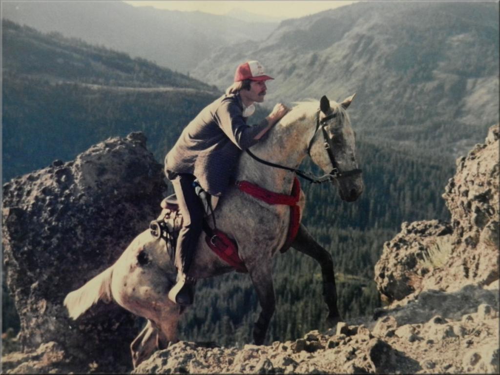 Cougar Rock : le passage le plus spectaculaire de la course. On comprend pourquoi le collier de chasse est OBLIGATOIRE.
